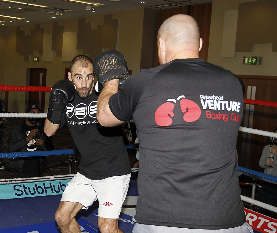 """REAL LIFE ROCKY STORY PROMOTION HILTON HOTEL,LIVERPOOL PIC;LAWRENCE LUSTIG SEAN """"MASHER""""DODD PREPARES FOR HIS FIGHT AT EVERTONS GOODISON PARK ON SUNDAY MAY 29TH"""