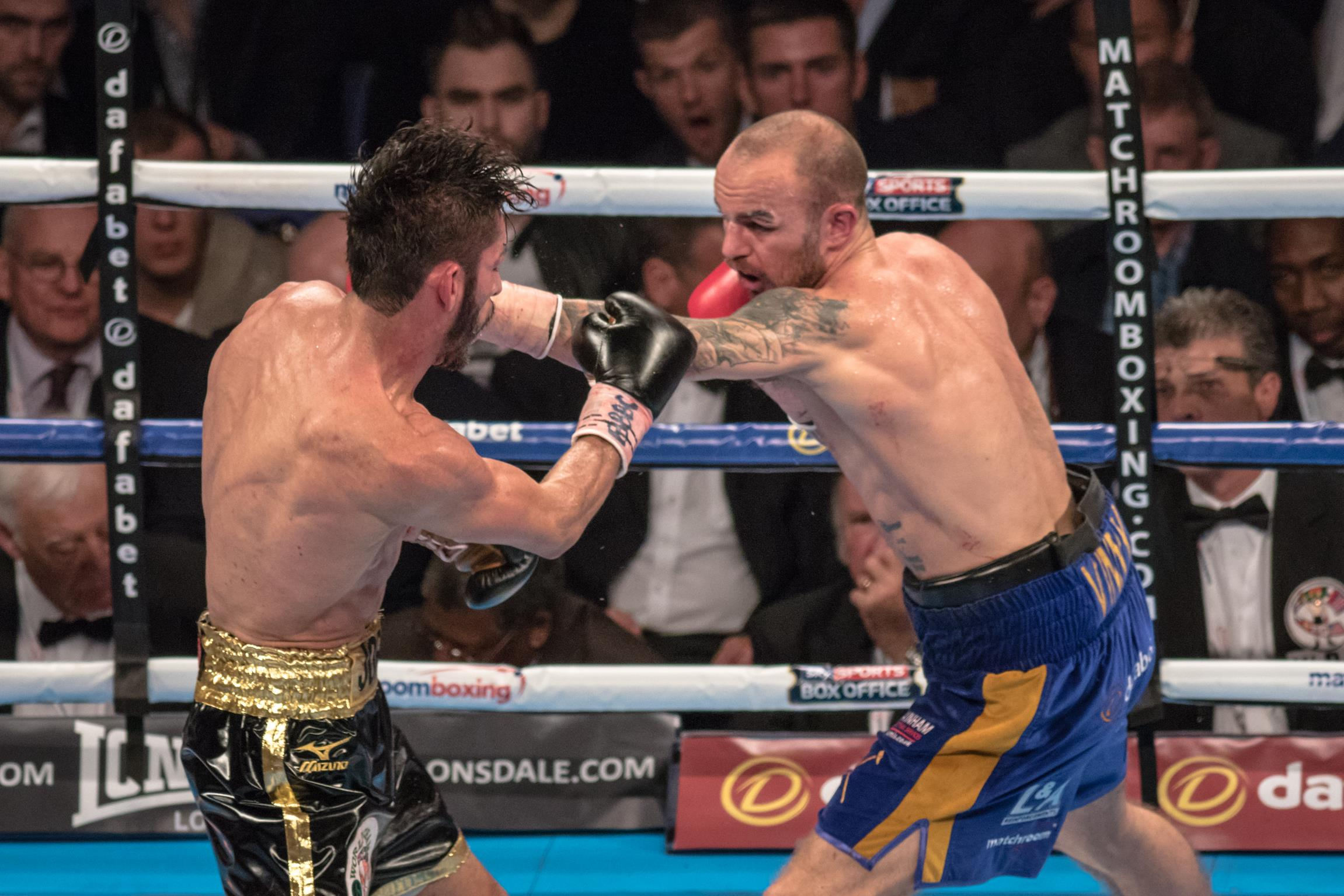 Kevin Mitchell vs Jorge Linares
