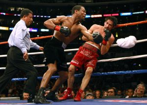 Shane-Mosley-Antonio-Margarito-Dondal-Miralle-Getty-Imags