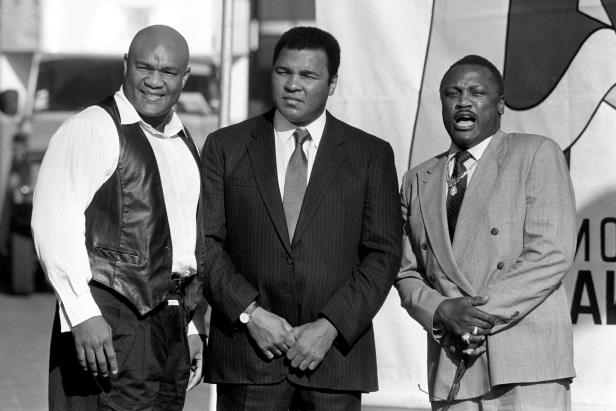 george-foreman-right-has-been-named-an-honoury-pallbearer-at-muhammad-ali-memorial-service-boxing__352244_