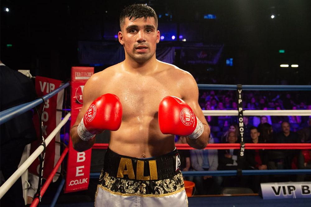 muhammad-ali-after-wining-2nd-pro-fight