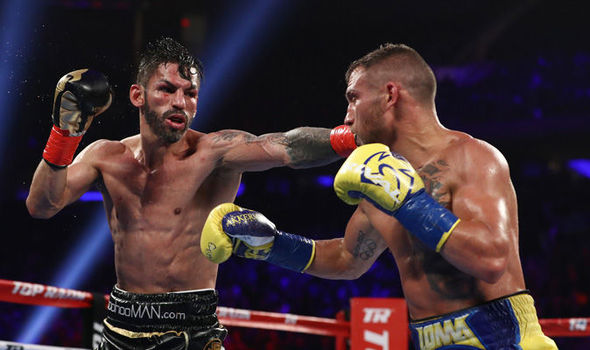 Vasyl-Lomachenko-Jorge-Linares-clash-in-the-ring-958942